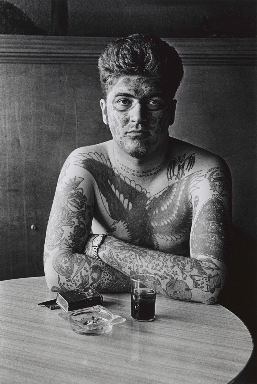 MONROWE, A Day with Diane Arbus - Jack Dracula at a bar