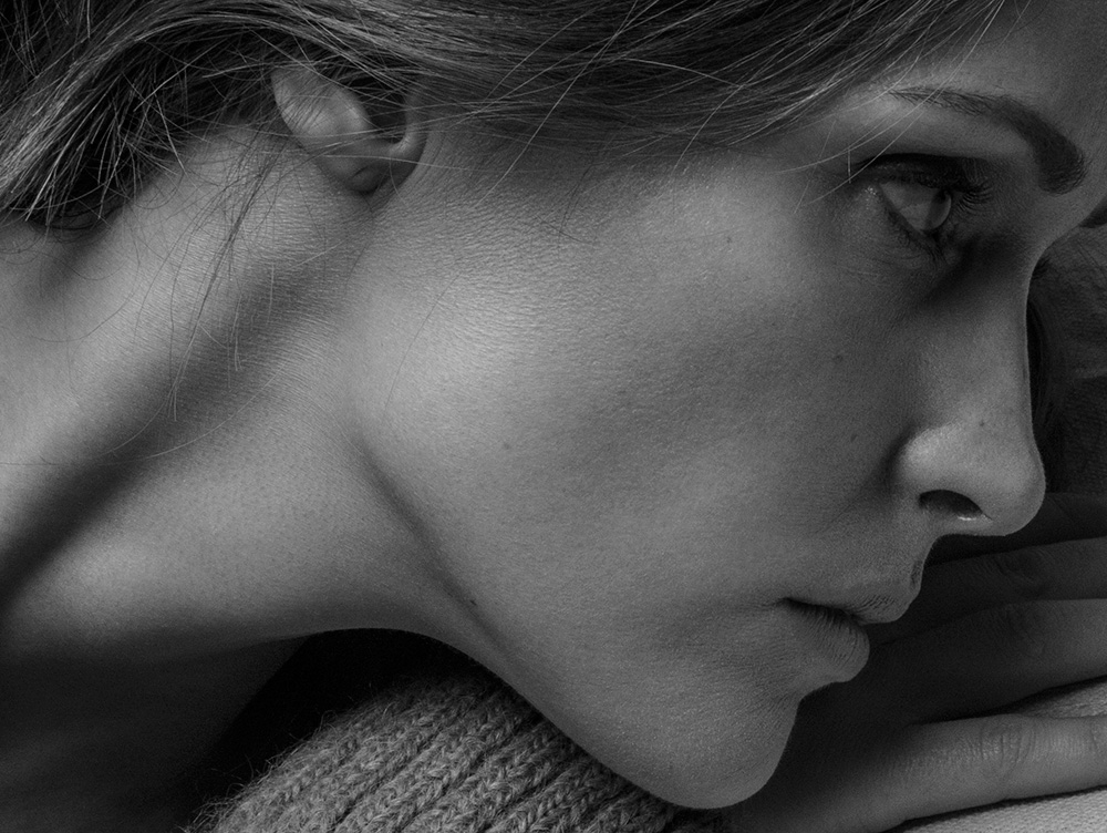Image of Rose Byrne, close-up, black and white photo by Stefani Pappas.