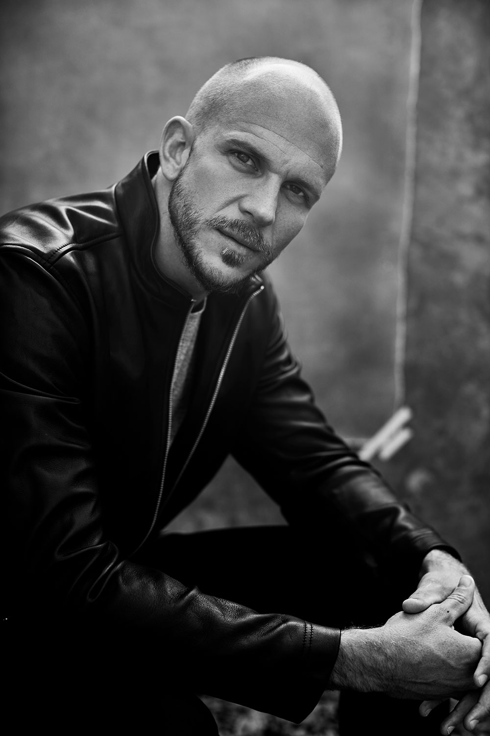Black and white photo of Gustaf Skarsgard by Maarten de Boer styled by Tiffany Chynel for MONROWE Magazine