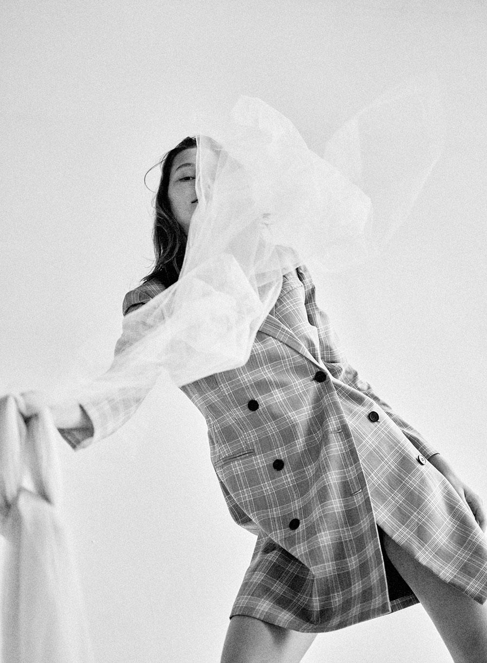 Model Dasha Maletina by Keiichiro Nakajima for MONROWE Magazine